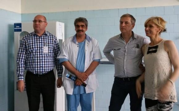 Medici englezi și germani, în vizită la spitalul buhușean