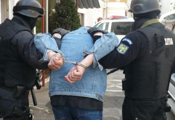 Marius Sandu, bărbatul de 36 de ani căutat de polițiști după ce i-a dat foc soției, s-a predat
