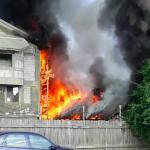 VIDEO Incendiu pe strada Văioagă